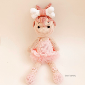 Ballerina amigurumi doll crochet pattern