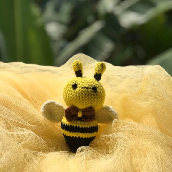 chubby amigurumi bumblebee crochet pattern