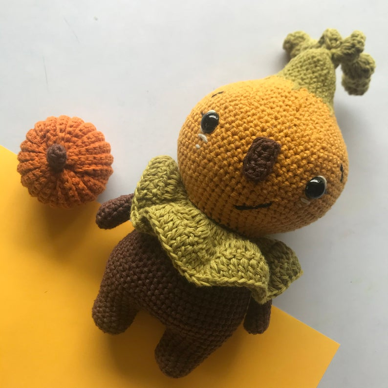 Pumchy the pumpkin doll amigurumi pattern for beginners, Halloween crochet pattern