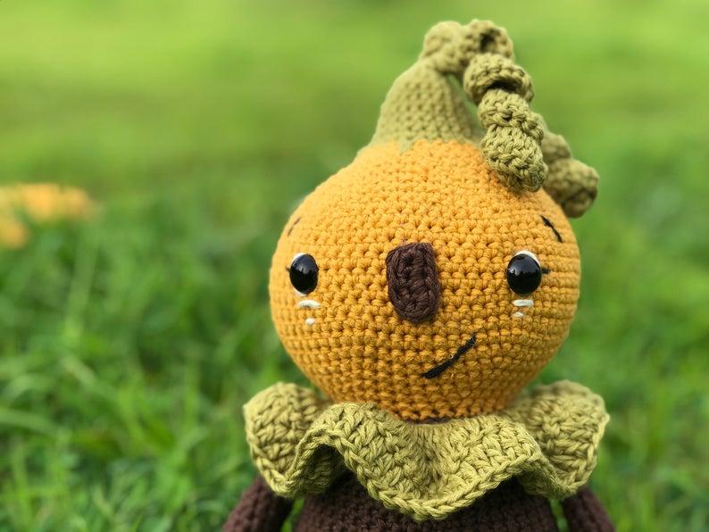Fall Halloween doll pumpkin amigurumi crochet pattern for beginners, no sew amigurumi pattern