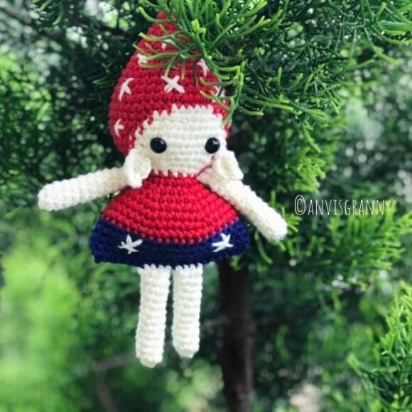 Mushroom Elf Amigurumi crochet pattern for beginners
