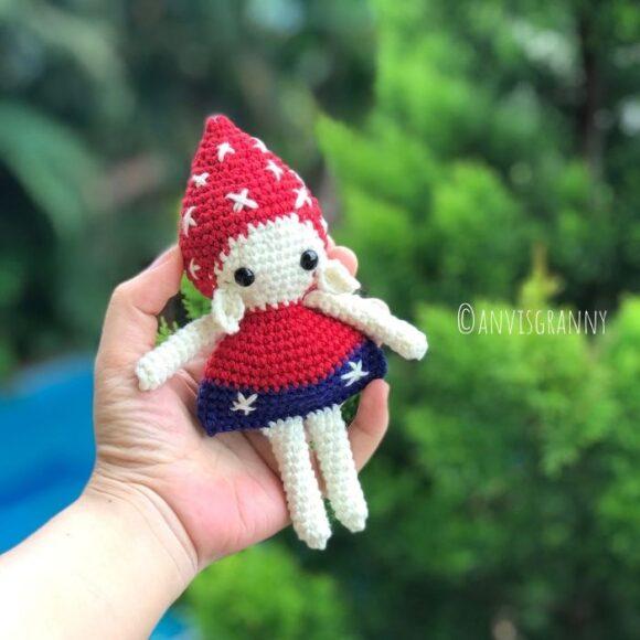 Mushroom Elf Amigurumi crochet pattern for beginners8