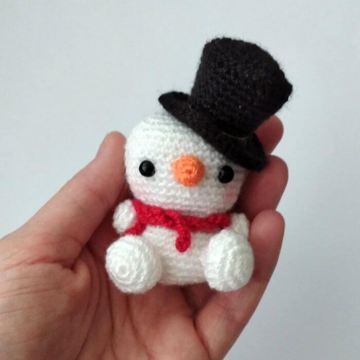 snowman amigurumi free pattern