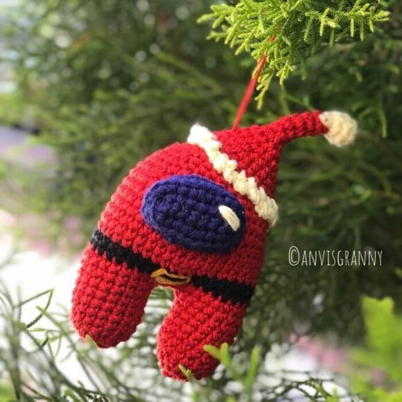 Among us Santa Amigurumi Christmas ornament crochet pattern for beginners