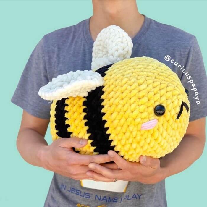 jumbo bee amigurumi crochet pattern
