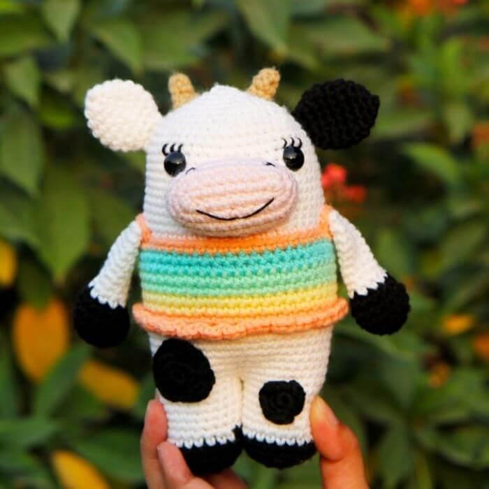cow amigurumi toy crochet pattern