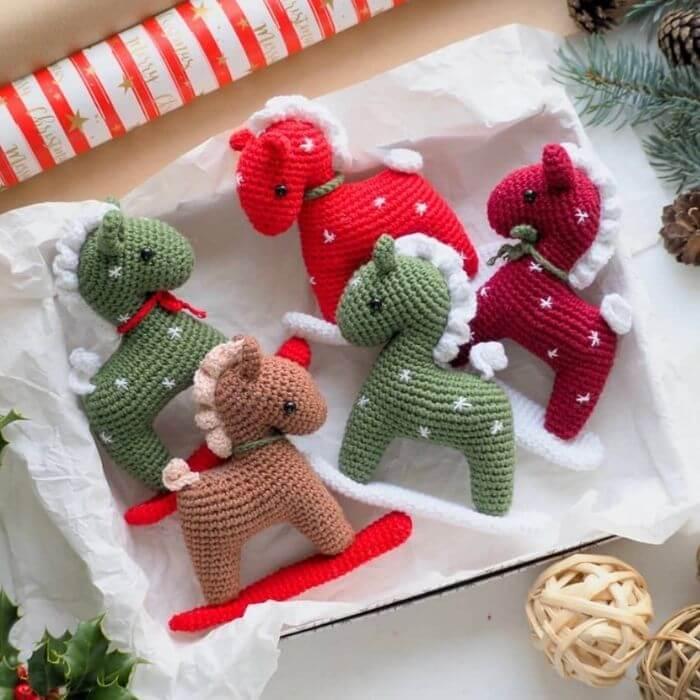 christmas horse amigurumi crochet pattern