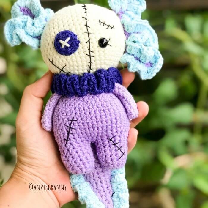 how to crochet an axolotl for Halloween