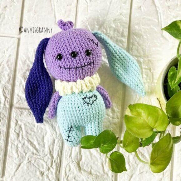 no-sew voodoo bunny Halloween amigurumi crochet pattern for beginners